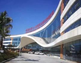 成都双流七医院防火玻璃挡烟垂壁项目
