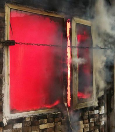 防火窗-窗扇无法关闭