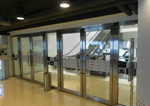 电梯前室不锈钢玻璃防火门